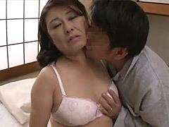 藤田愛子 「あなた凄いわ!」巨乳と巨尻が悩ましい還暦妻が営みに久しく悶えて痙攣中出し