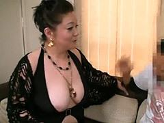 愛田正子 六十路の豊満爆乳熟女が痴女BBAと化し、若い男を喰い散らかす中出しSEX!