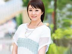 宮沢知代 まだまだヤリたい盛りの三十路人妻が潮吹き有りの初撮りSEX!