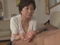 美月よしの ぽっちゃりボディの祖母(75歳)が孫にフェラ奉仕し、禁断の中出しセックス!