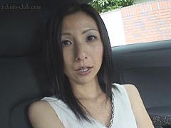 ロングの黒髪が似合う清楚系の貧乳妻とハメ撮り!スレンダーボディを仰け反らして悶える!