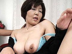 平尾雅美 垂れ乳ながらGカップ巨乳の五十路妻が初撮りセックスに我を忘れて絶頂し中出し!