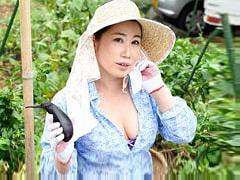 恵川乃々子 SEXしたくてAVに応募した群馬の田舎に住むぽっちゃり巨乳おばさんと自宅で…