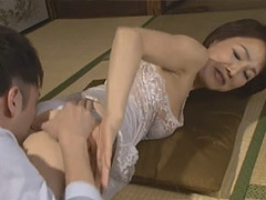 内原美智子 六十路の義母が婿(娘の旦那)と交わる禁断の寝取られ交尾!
