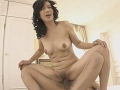服部圭子 初撮りセックスで若い男根にハメ狂わされる五十路妻!