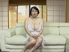 富沢みすず 遥かに年下青年の童貞を奪う豊満爆乳熟女!