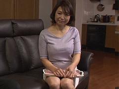 時田こずえ 友母の欲求不満を見抜いた青年が口説き落とす!