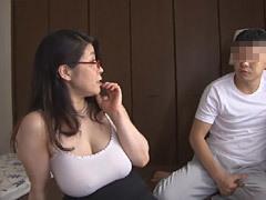 水野淑恵 五十路の熟女カウンセラーがSEXで33歳の引き篭もり男を更正させる