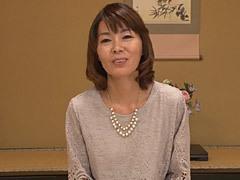 阿川美津子 五十路人妻がスレンダーボディで殿方を魅了!