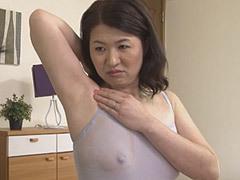 矢沢千春 母と息子が汗だくなりながらベロチューで絡み合う!