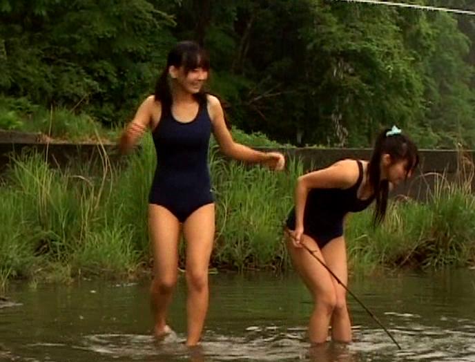 夏休み中、川原で遊んでる地元JCと友達になってセックスを教えてあげた日