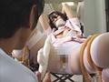 ナース姿でゴムで緊縛される春野うららと結城明日香のサムネイル画像5