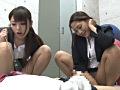 センズリさせる関西弁の女教師達のサムネイル画像1