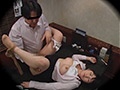 忘年会 居酒屋でOLスーツエッチする女社員のサムネイル画像2