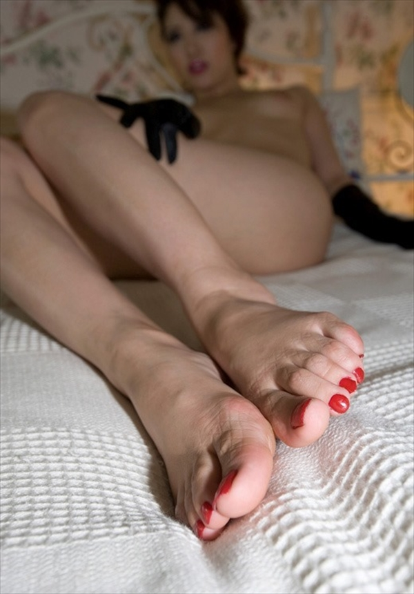Toe fetish image16