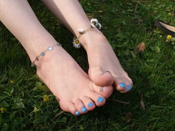 Toe fetish image38