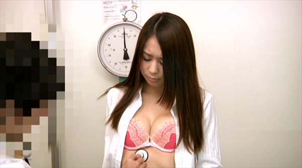 medical checkup voyeur_image7-1
