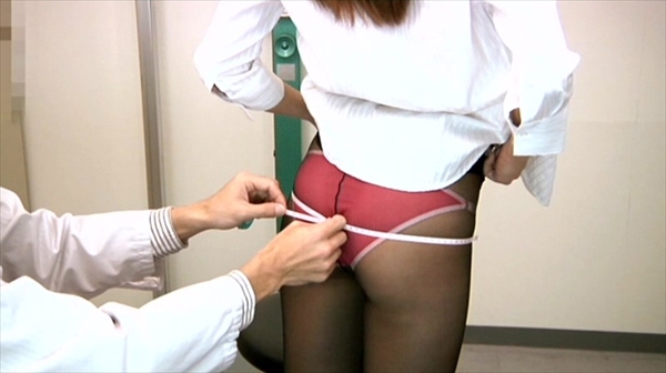 medical checkup voyeur_image7-2