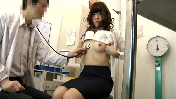 medical checkup voyeur_image29-1