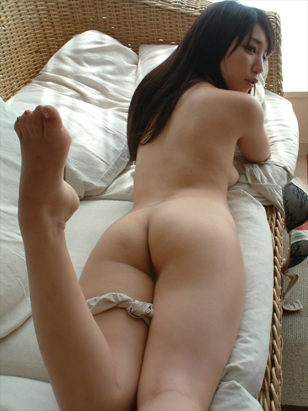 placing face down-buttocks_erotic pictures1