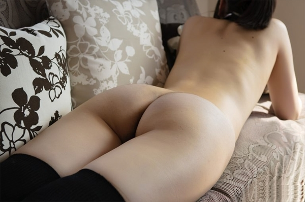 placing face down-buttocks_erotic pictures12
