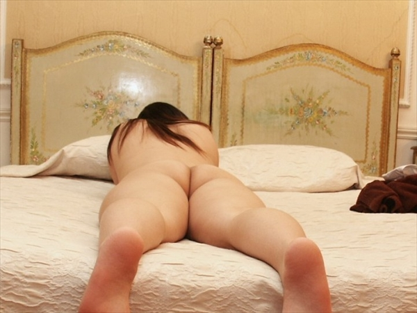 placing face down-buttocks_erotic pictures74