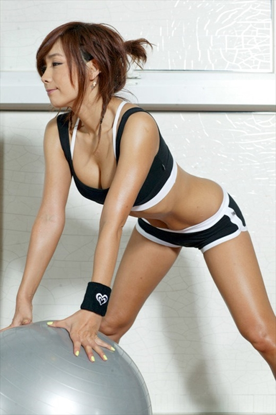 Sportswear-Wearing erotic pictures3