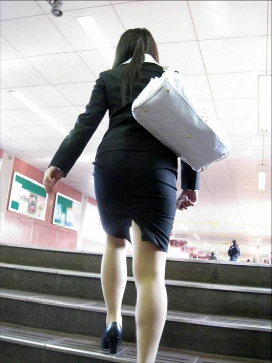 female office worker-voyeur image14