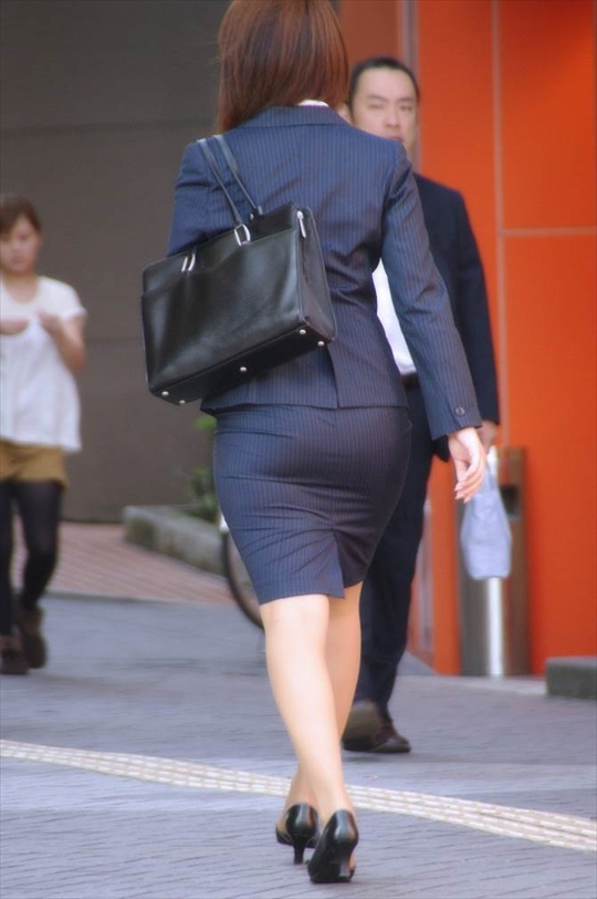 female office worker-voyeur image29