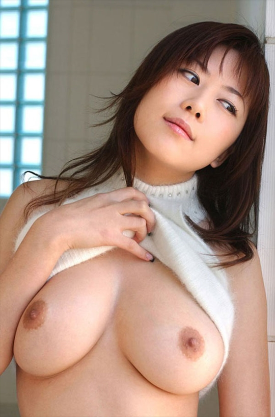 roll up shirt-tits-pics24