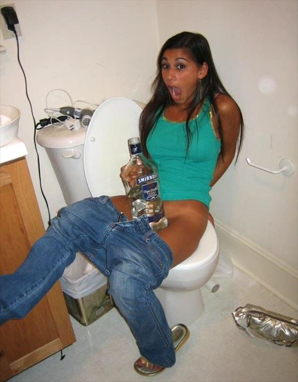 Foreigner toilet erotic pictures9