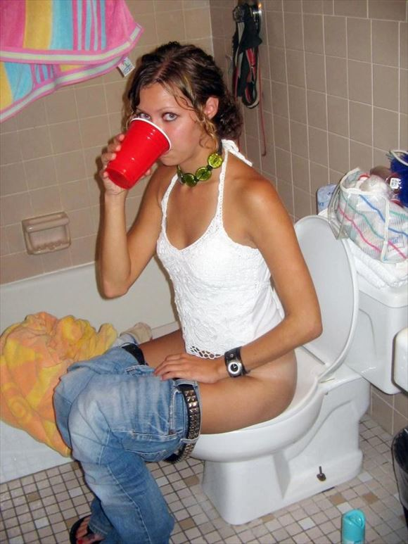 Foreigner toilet erotic pictures11