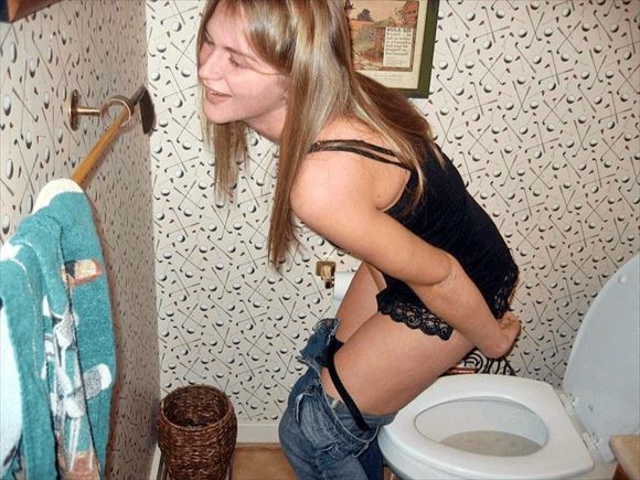 Foreigner toilet erotic pictures16