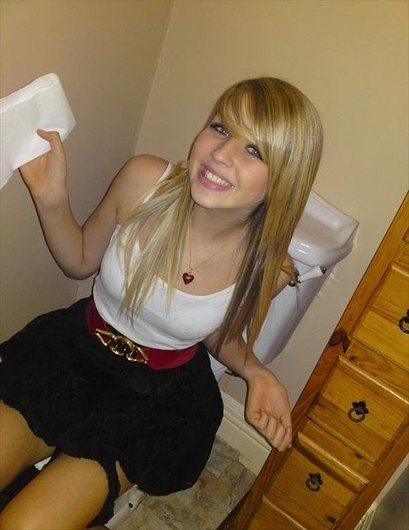 Foreigner toilet erotic pictures37