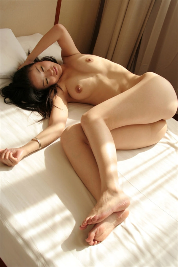 Chinese-daughter_Pornographic-image16.jpg