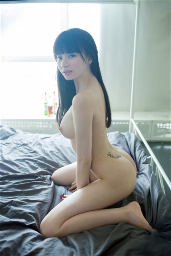 Chinese-daughter_Pornographic-image33.jpg