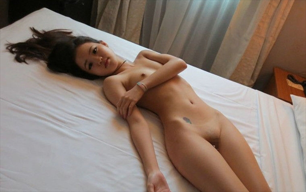 Chinese-daughter_Pornographic-image8.jpg