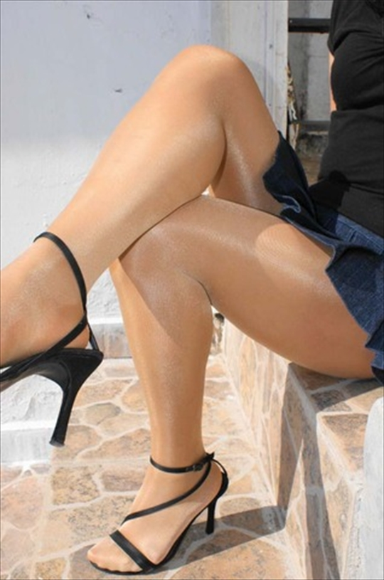 pantyhose_Thigh_erotic-pictures76.jpg