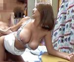 ★えろつべ★ : 【動画】若肉棒に興味津々な巨乳妻を盗撮(*゚∀゚)=3 ムッハー