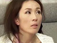 ダイスキ!人妻熟女動画 :息子の友人たちに犯され、逆にセックスの気持ちよさを味わう四十路母! 秋山静香
