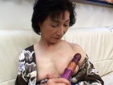 【無修正】【中出し】六十路熟女桜井富士子一家の裏事情2