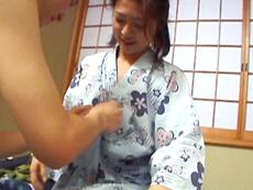 【無修正】上杉佳代子 三十路熟女の母のような優しさ
