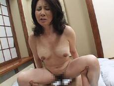 【無修正】関口里美  二人のザーメンを顔に浴びる母乳人妻