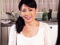 ダイスキ!人妻熟女動画 :妻の母の天真爛漫でむっちりとしたカラダに股間が暴発してしまう娘婿 三浦恵理子