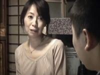 高齢人妻熟女動画 あっふ〜ん:借金の取り立て屋に追い詰められた五十路母と息子が母子相姦で慰め合う 松木さやか