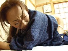 【無修正】古びた宿の仲居さん 第二話 遊女としてのめざめ