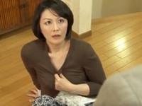 高齢人妻熟女動画 あっふ〜ん:「やめてっ!」母性に飢えた娘の婚約者に犯される四十路妻 円城ひとみ