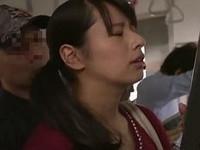 あだるとあだると :【人妻】チ●ン男の卑猥な指テクにイカされた爆乳妻がチ●ン男を求めて電車に乗り込む♪