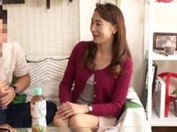 高齢人妻熟女動画 あっふ〜ん:熟女ナンパ ★「私もう、おばさんよ?」エロそうな五十路妻を喰らう!