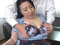 熟女ストレート:藤木静子 息子の爆乳を揉まれる五十路母!